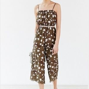 Kimchi Blue-Urban Outfitters Crinkle jumpsuit SMAL